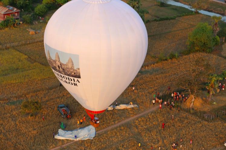 Luftballong i Angkor Wat