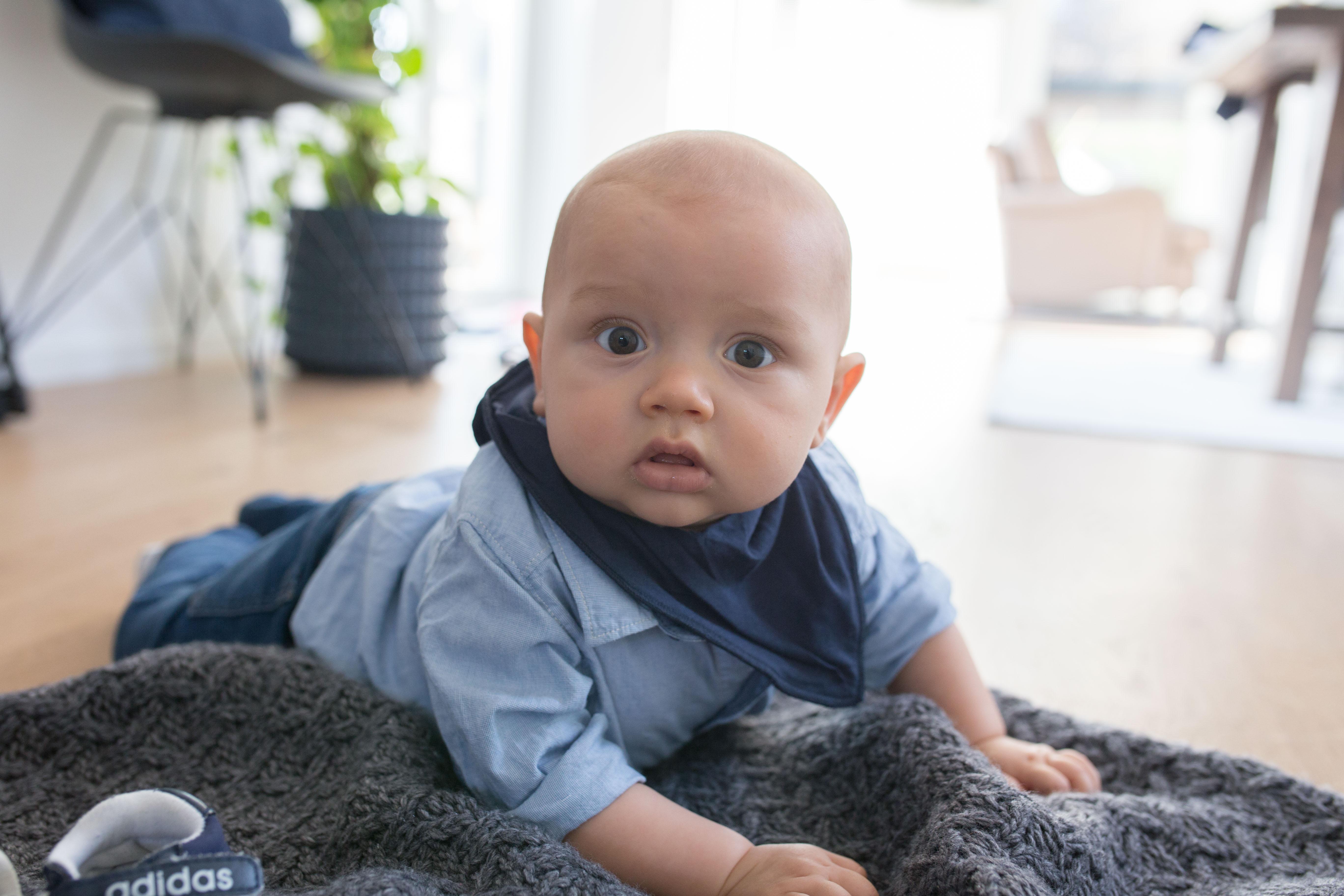 Adrian 10 månader idag