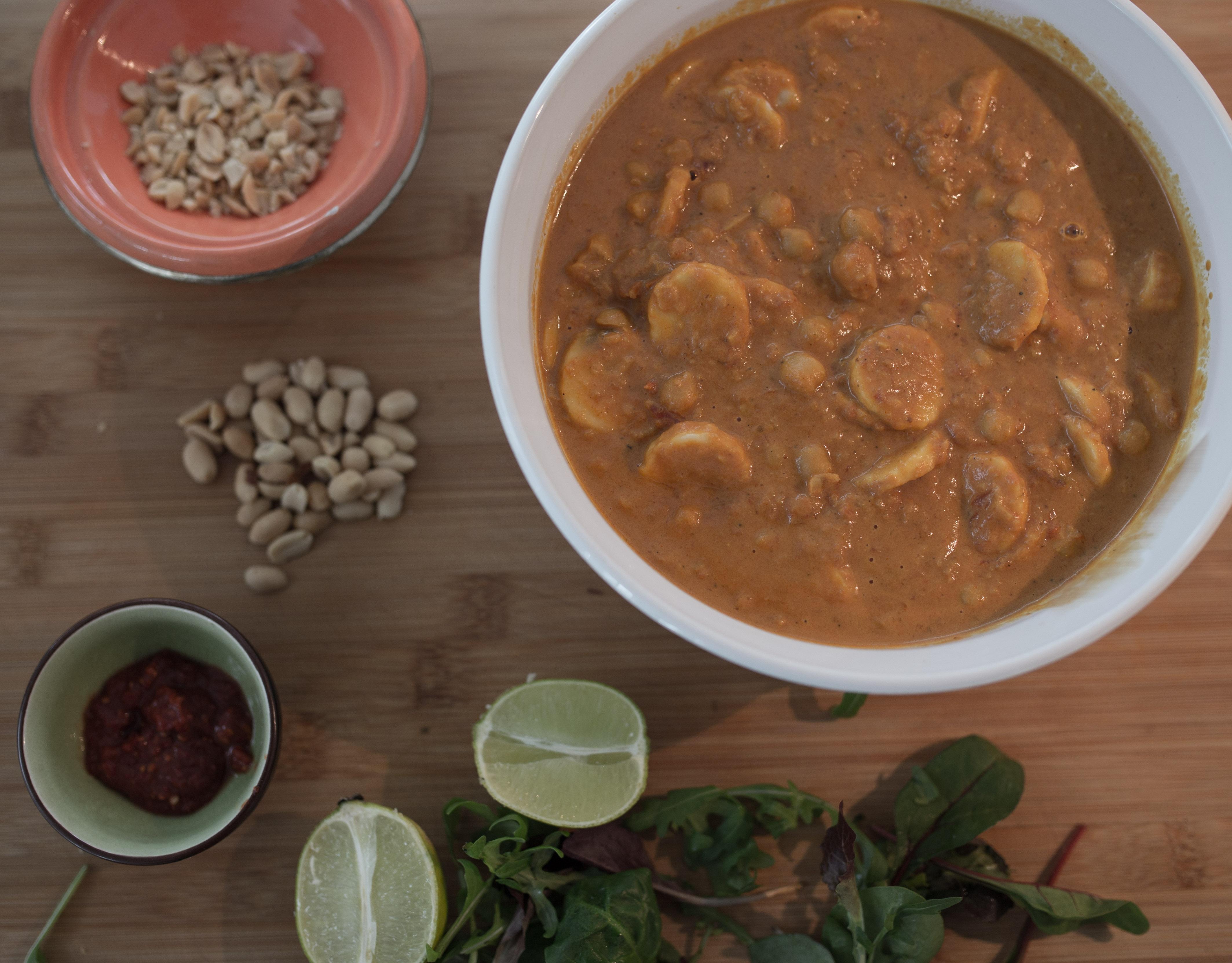 Veckans vego: Kikärtscurry med jordnötssmör och lime