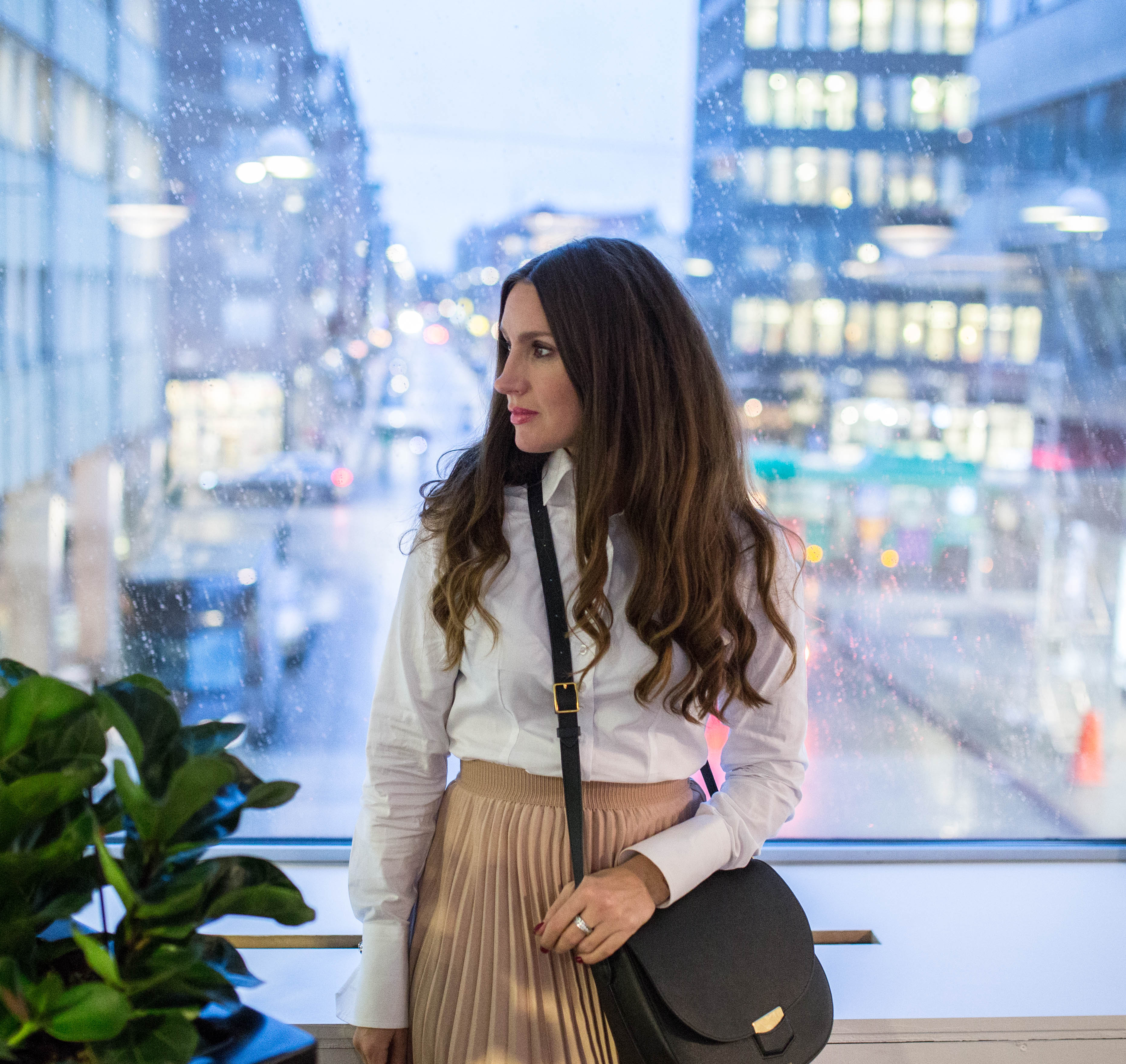 How to wear a pleated skirt for the office