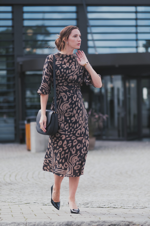 BUSINESS PENCIL DRESS   KONTORSLOOK